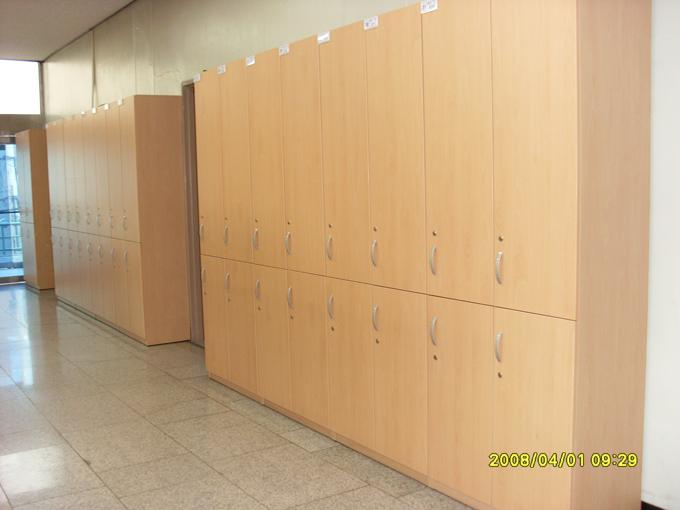 교무실3.JPG